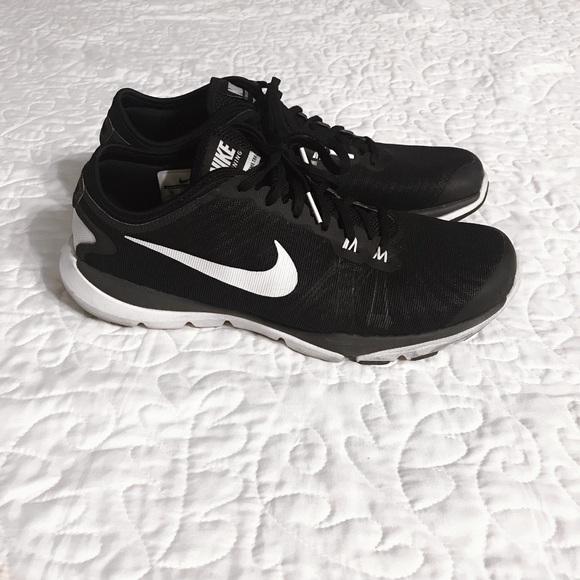 huge discount 1363d ce66e Nike Women s Flex Supreme TR 4 Training Shoes. M 5ab9984fdaa8f6d3e7746e53